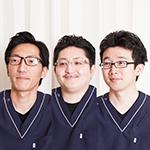 田中 孟 院長、田嶌 慶二 先生、向井 康尊 先生