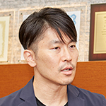 松川 裕樹理事長