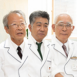 安田 健太郎 院長、安田 博行 先生、安藤 謙一 先生