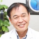 岡田賢三 院長