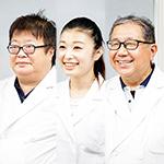 中村 秀己 院長、中屋 莉佳子 先生、石川 正直 副院長