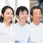 豊田 寛朗 院長、豊田 河清 先生、藤田 絢美 先生