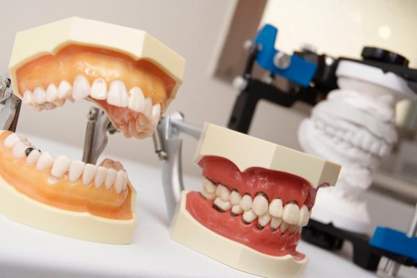 まつ ばら 歯科