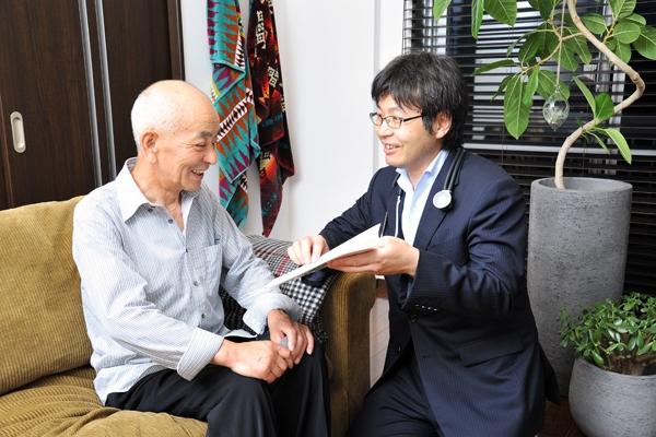 通院困難な患者を訪ねて支える生活に寄り添う「訪問診療」