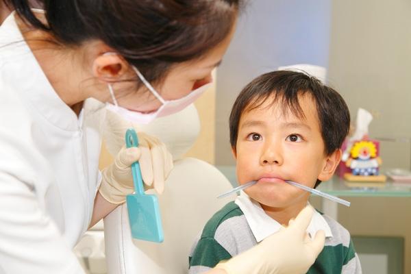舌とお口の筋肉、正しく動かせていますか?小児矯正治療を補助するMFT