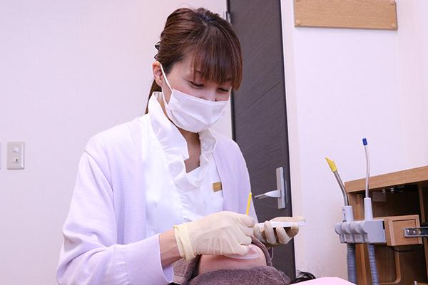 専用個室でゆったり治療専属歯科衛生士によるホワイトニング