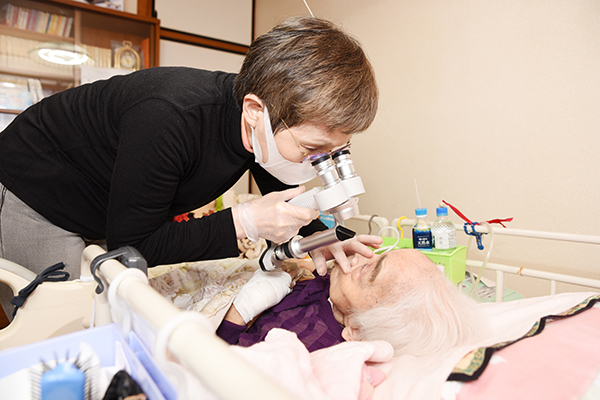 往診で患者の眼の命を守る「見える」ことが認知症予防にも