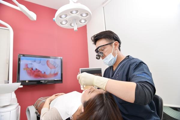 自分の歯をいつまでも健康にコーヌス・クローネ精密補綴治療