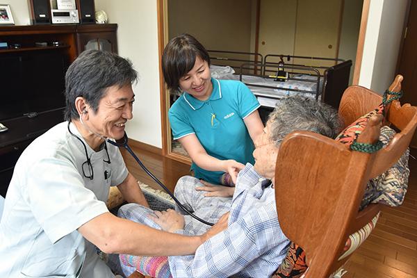 医療・看護・介護が連携患者の気持ちに寄り添う訪問診療