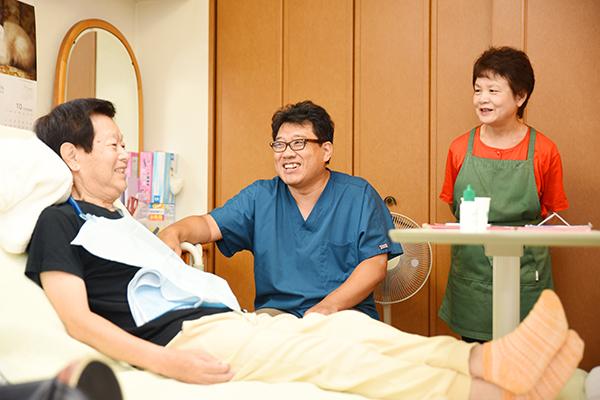 費用や手続き方法まで解説自宅で治療が受けられる訪問歯科診療
