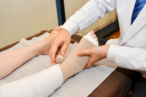 脚のむくみ・痛み等の負担を軽減リンパ浮腫の診断と治療について