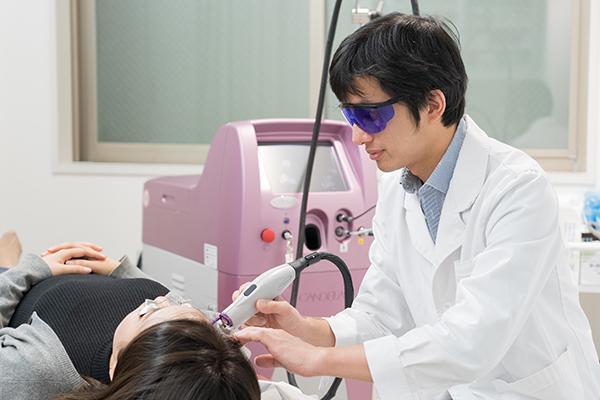 当日の化粧や入浴も可能赤あざ、赤ら顔のレーザー治療