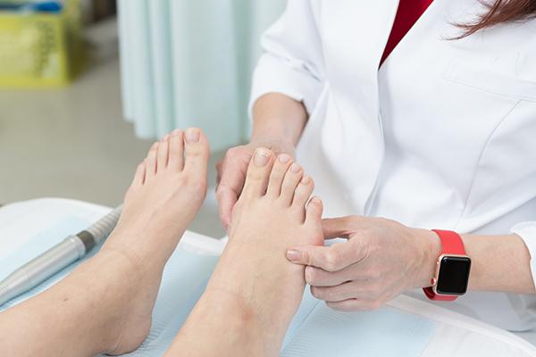 巻き爪や陥入爪の原因を知り適切な治療方法を選択しよう