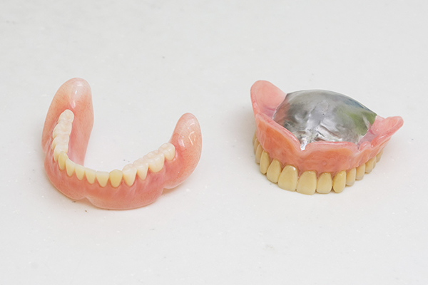 型採りを工夫して口にフィット口の動きまでを考慮した入れ歯
