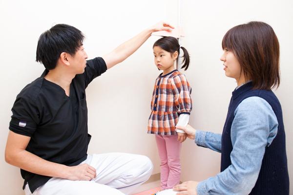 子どもの成長に新しい可能性3歳からはじめる小児低身長治療