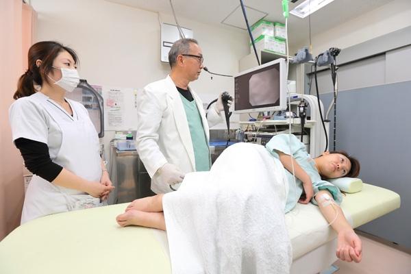 炭酸ガスで負担減、迅速に終了大腸内視鏡検査でがんの早期発見を