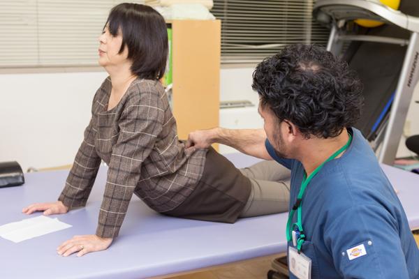 腰痛やヘルニア、膝の痛みにエクササイズでアプローチするMDT