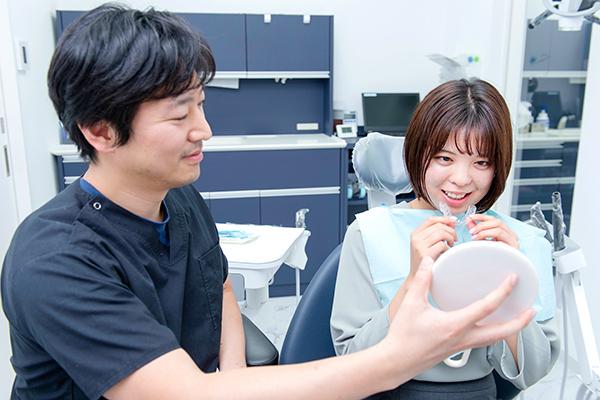 マウスピース型の装置を用いた目立ちにくい歯列矯正