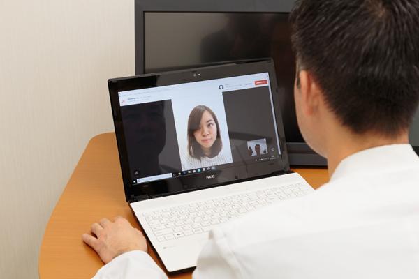 時間、場所の制限なくかかりつけ医にオンライン診療(遠隔診療)
