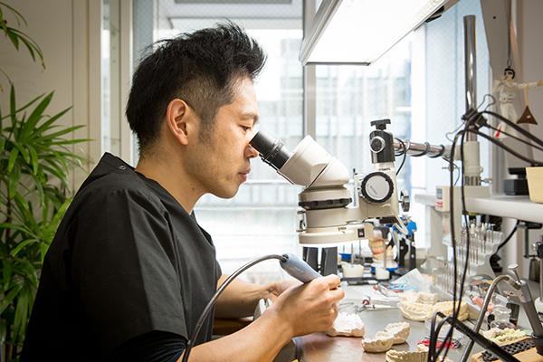 歯科技工士の技術が成果を左右連携強化でより高度な審美治療を