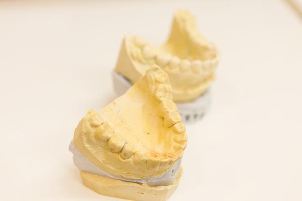 顎のズレや噛み合わせなど口腔由来で起こる体の痛みに着目