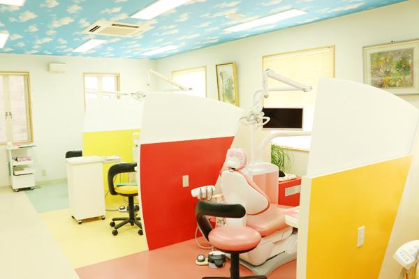 歯科が苦手な人も笑顔になる楽しく通えるアットホームな歯科医院