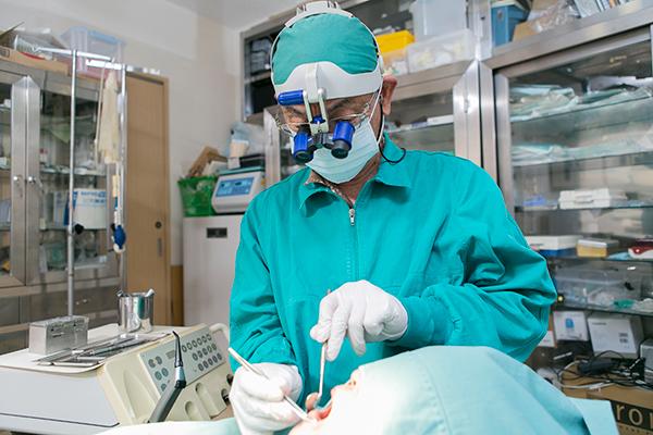 歯周病治療やインプラント研鑽を積んだ医師が語る予防ケア