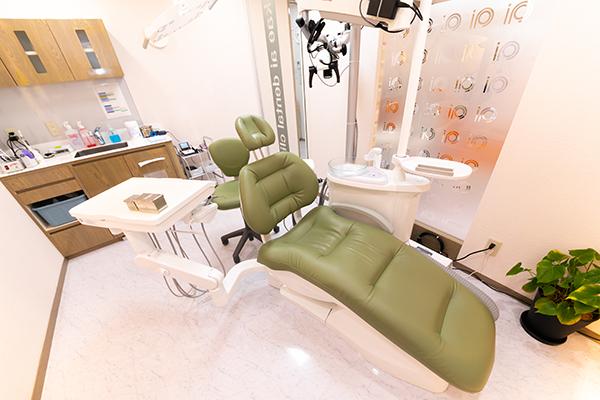 口腔外科で扱う治療を紹介親知らずの抜歯やインプラント治療