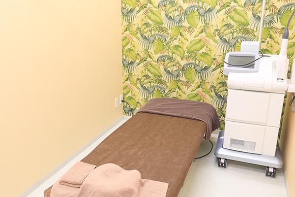 あざやしみ、蒙古斑など形成外科で行う皮膚の治療とは