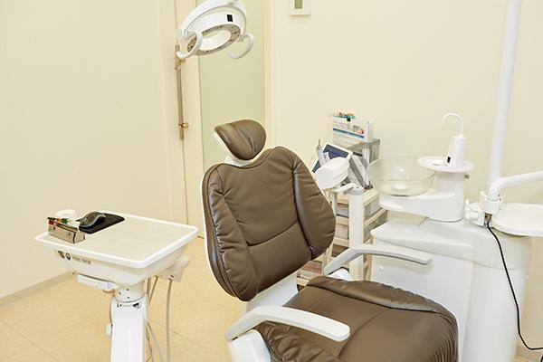 クリニックや自宅でのケアが重要健康な歯を保つための予防歯科