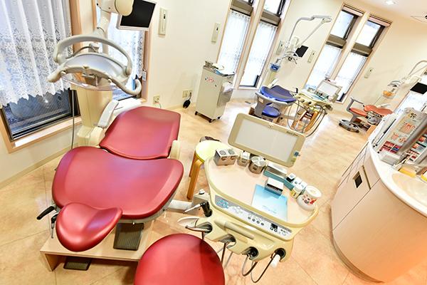 それぞれの成長に合わせたケアを小児歯科治療と矯正