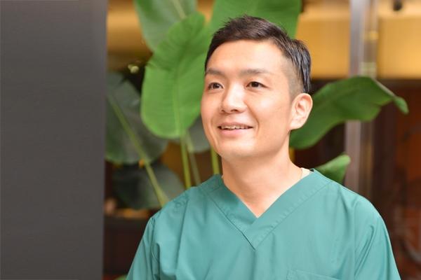 自己血由来の骨再生療法を用いた新型「インプラント治療」